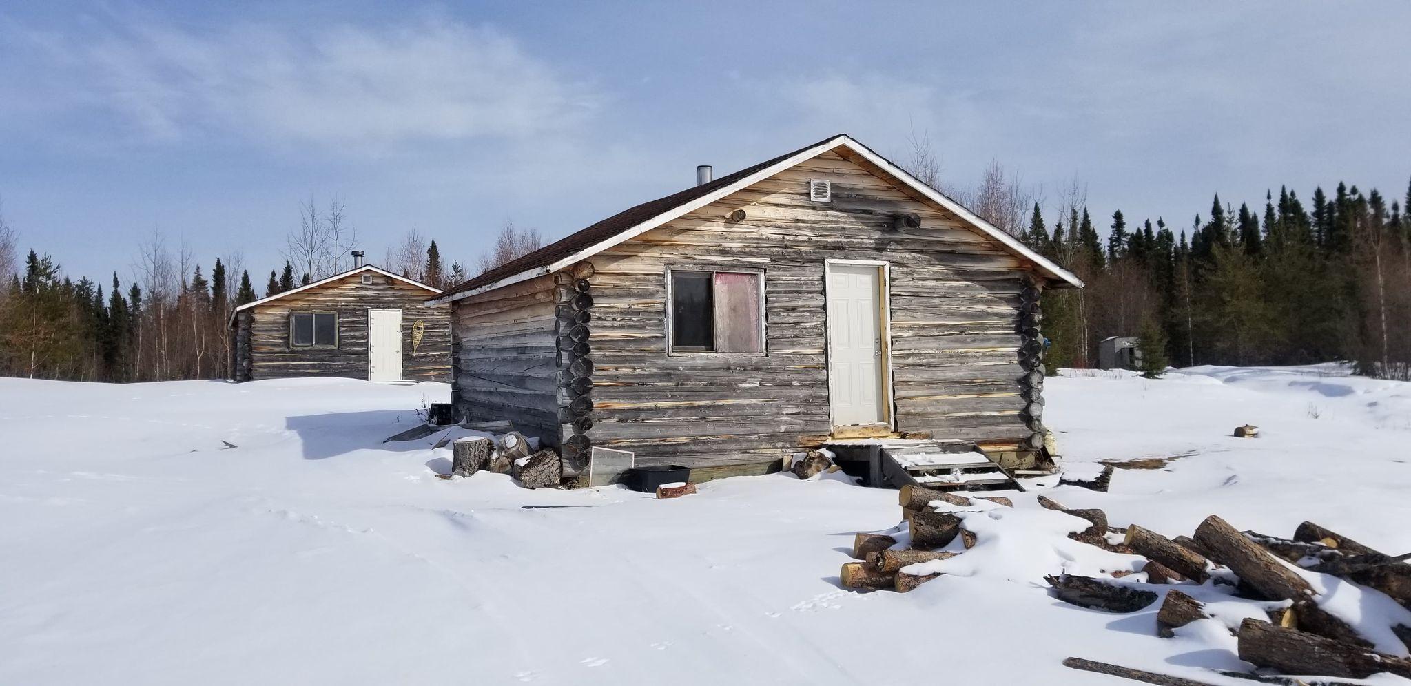 Leftrook Lake cabin